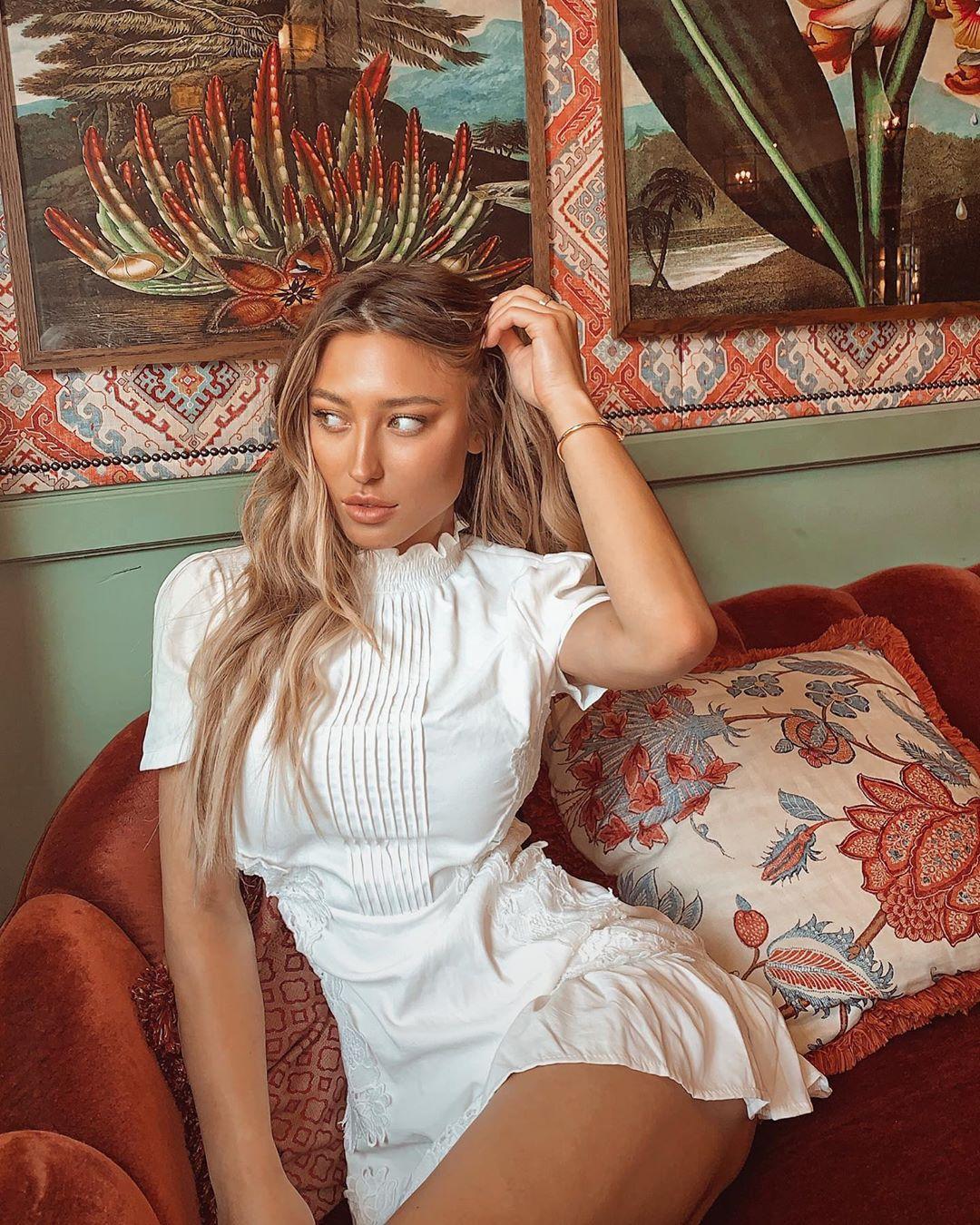 Stefanie-Gurzansk-Wallpapers-Insta-Fit-Bio-4