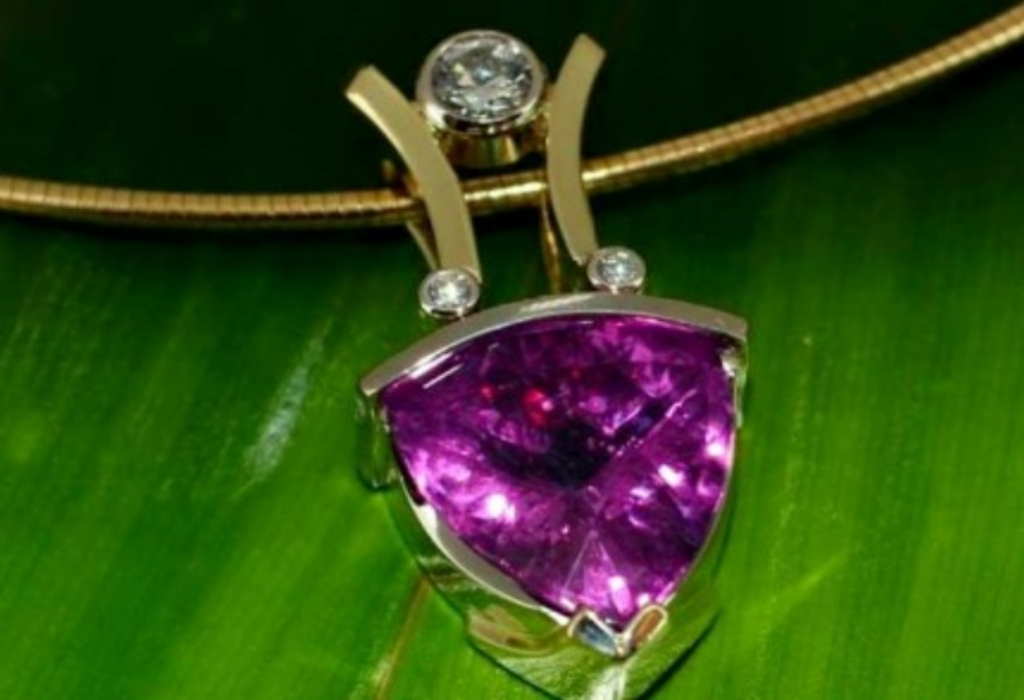 Diamond Jewelry Ring Makes Spirit