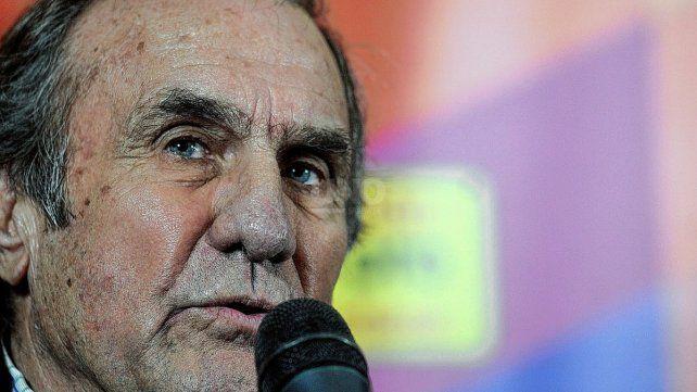 Carlos Reutemann ex-gobernador y senador nacional  por Santa Fè, está internado en un sanatorio