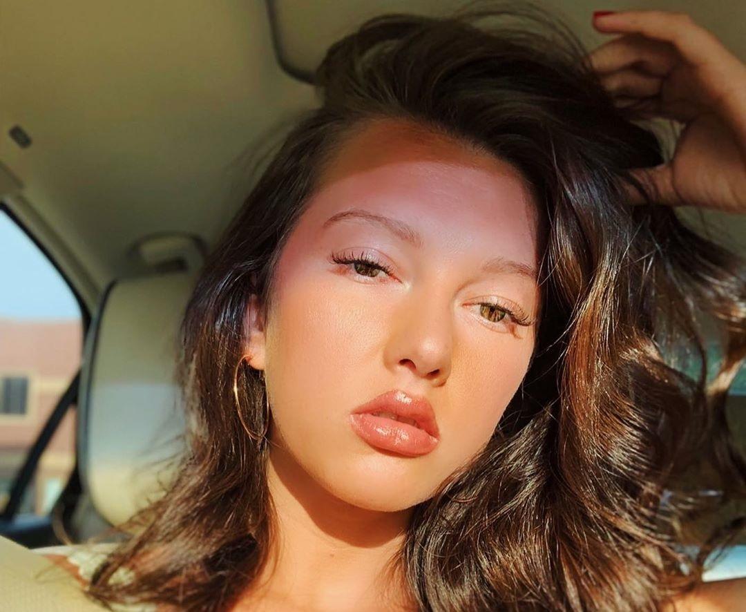 Alexia-Breanna-Wallpapers-Insta-Fit-Bio-3