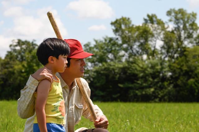 金球獎最佳外語片《夢想之地》Minari 確定在4月16日台上映,由傳影互動發行 MINARI-00195-RAlan-S-Kim-Steven-Yeun-Director-Lee-Isaac-Chung-Credit-Melissa-Lukenbaugh-A24