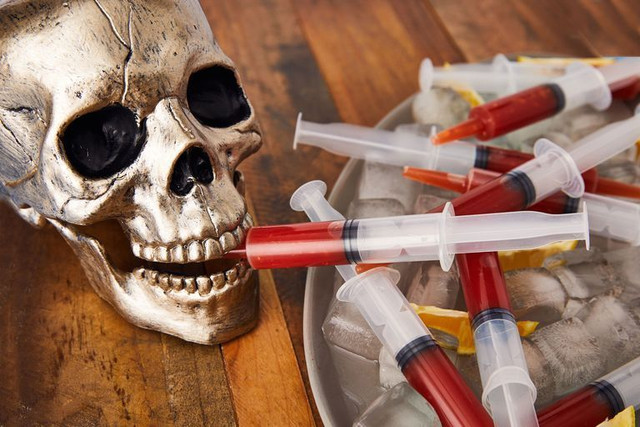 Bloody-Mary-Syringes