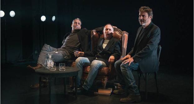 Escenografía de 'El Rey' con sus tres actores