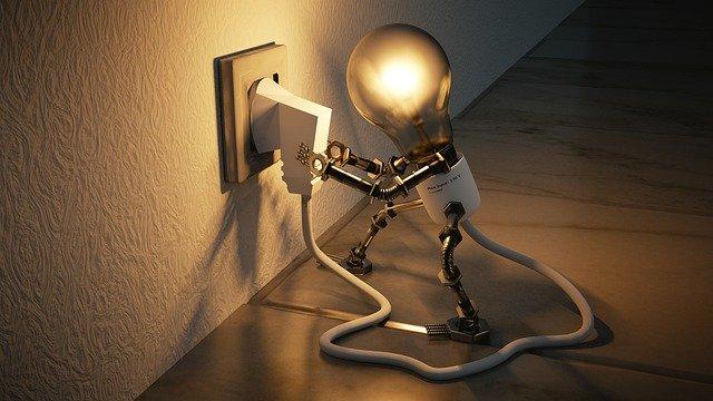 light-bulb-3104355-640