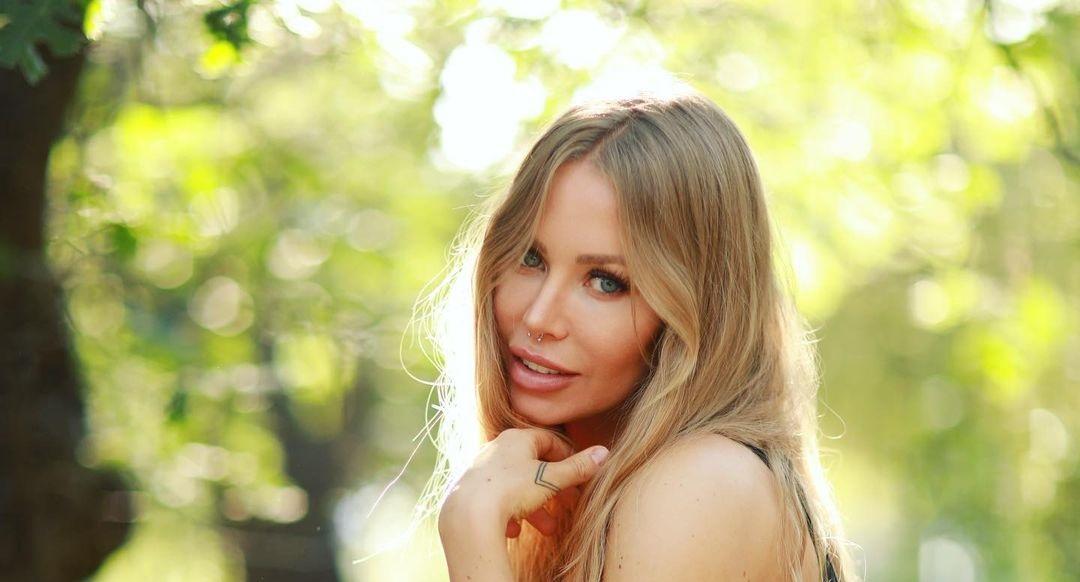 Nicole-Aniston-Wallpapers-Insta-Fit-Bio-4