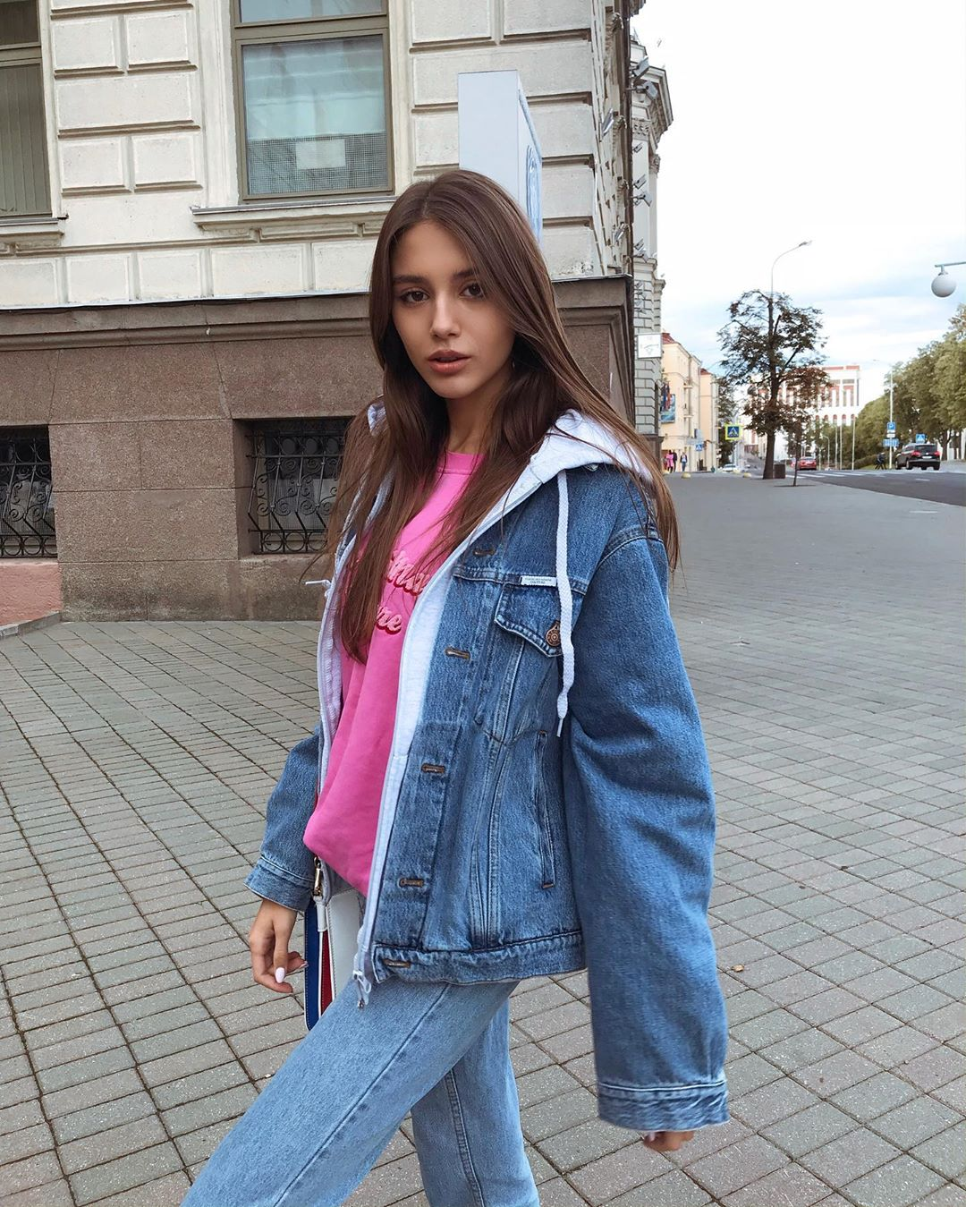Elena-Fishman-Wallpapers-Insta-Fit-Bio-6