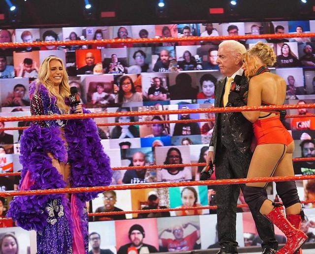 Charlotte Flair interrumpe a Ric Flair y Lacey RAW 8 Febrero