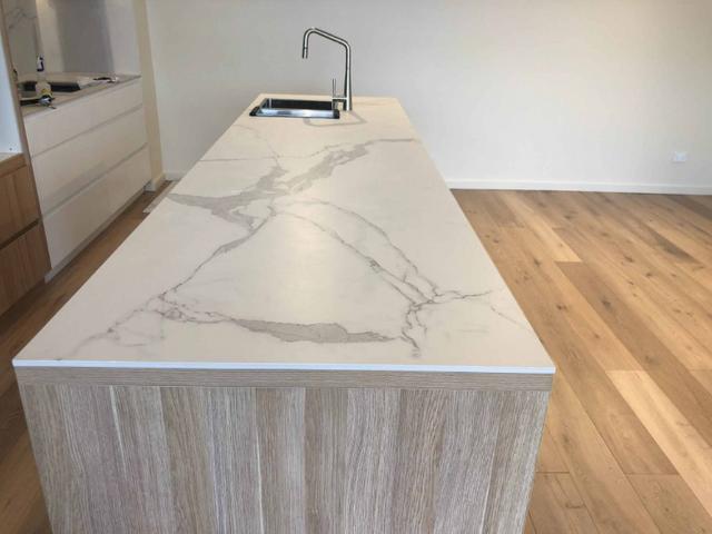 Super-white-granite