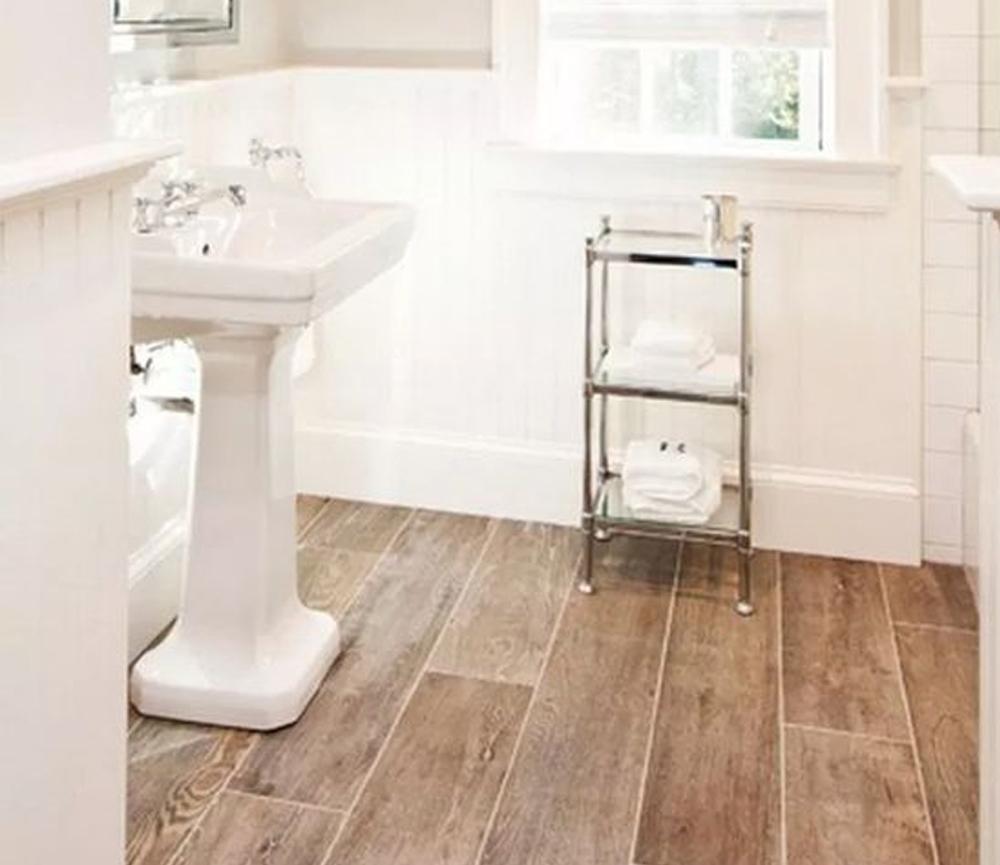 49 Farmhouse Master Bathroom Remodel Ideas For You #masterbathroom #housedesign #bathroomdecor > Fieltro.Net