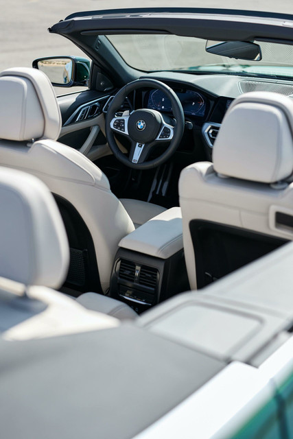 2021-bmw-4-series-convertible-interior-01-scaled