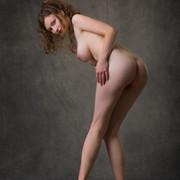 susann-shamelessly-showcases-an-amazing-curvy-body-05-w800
