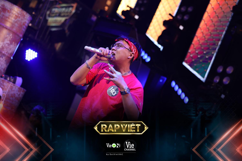 Vie-Channel-Rap-Viet-Photos-Th-sinh-Nam-Trung-1