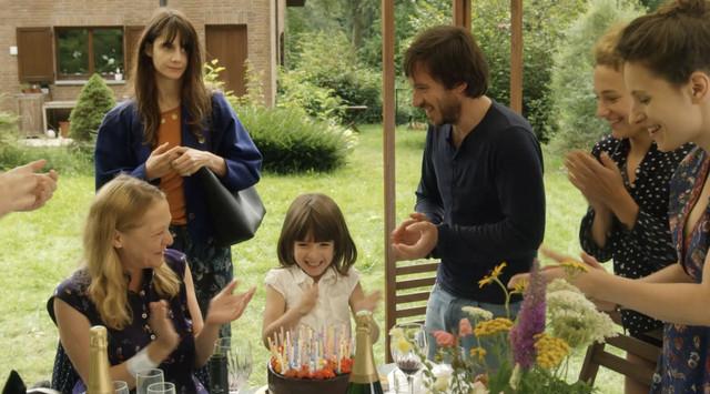 新銳女導演執導《大象與蝴蝶》 星二代6歲女兒真摯出演  與女兒共同創作圖像劇本 自然生動演出令人驚艷 Image