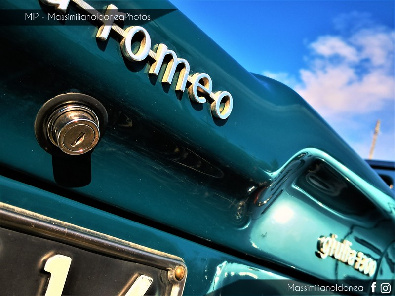 Parking Vintage - Pagina 5 Alfa-Romeo-Giulia-1300-66-CT142566-4