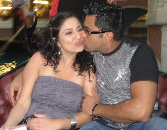 [Image: 004-nri-couple-hot-photos.jpg]