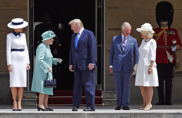 The-Queen-Greets-President-Trump