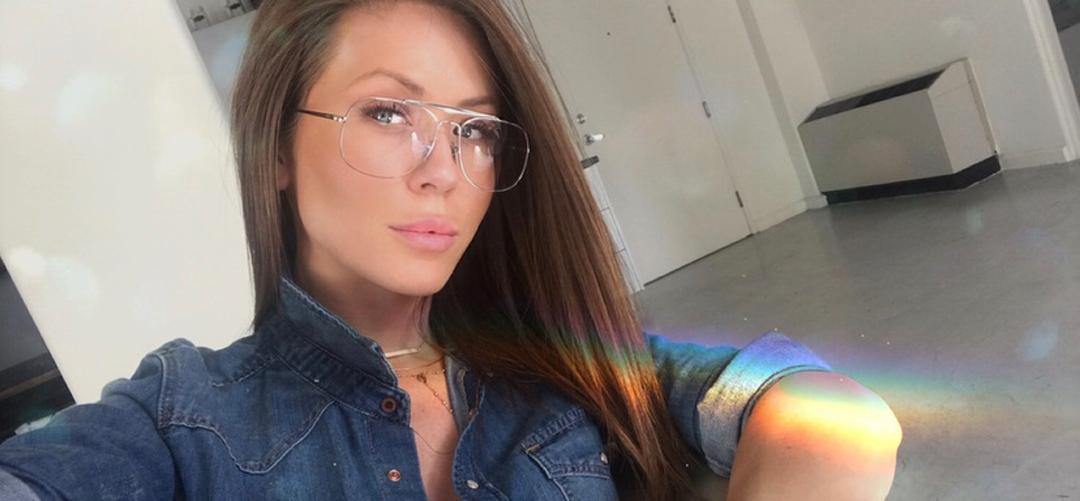 Kristine-Elezaj-Wallpapers-Insta-Fit-Bio-5