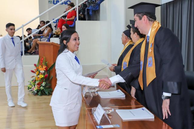Graduacio-n-Medicina-110