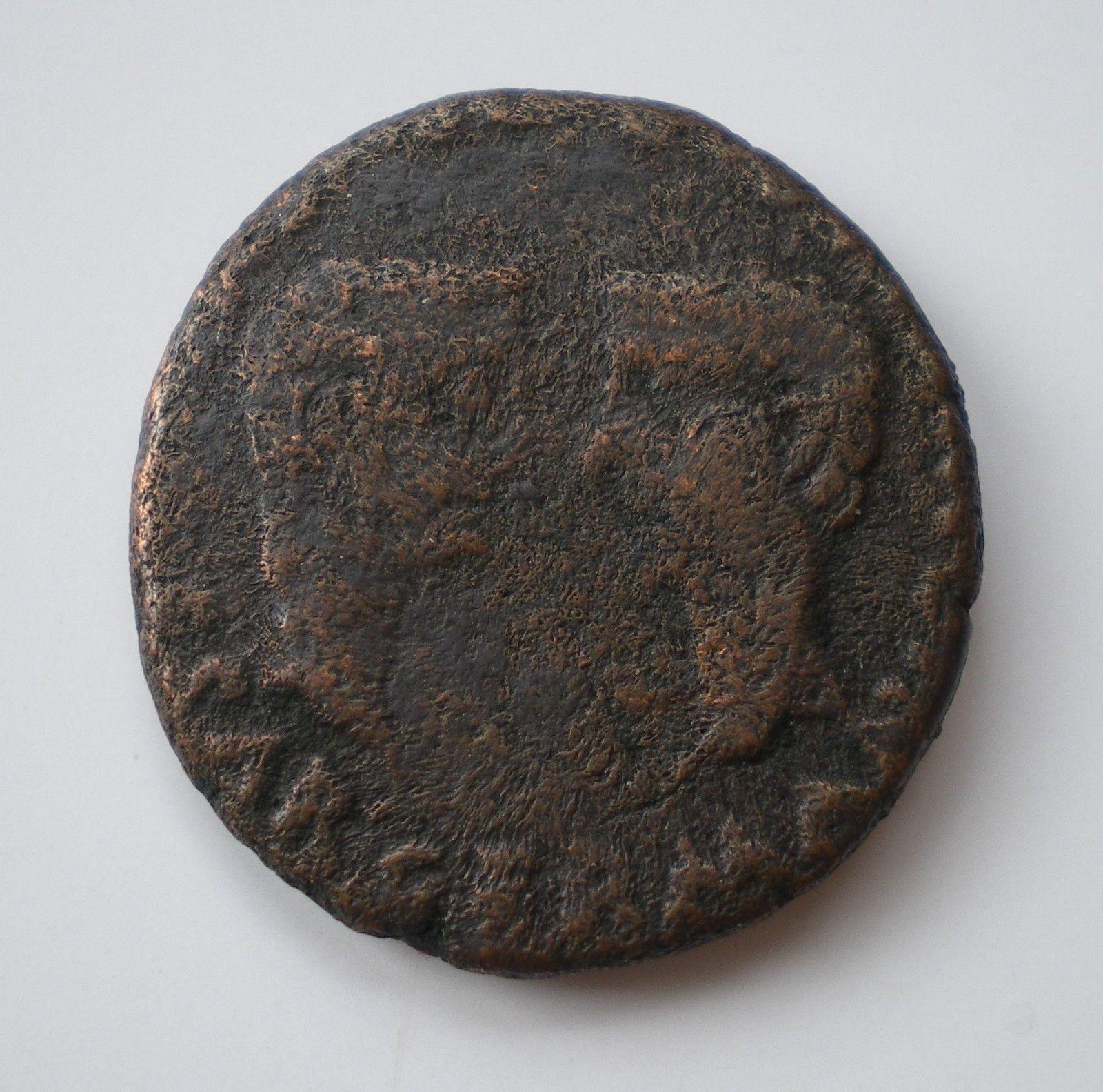 As de Colonia Romula, época de Tiberio. GERMANICVS CAESAR DRVSVS CAESAR. Bustos afrontados de Germánico y Druso. S-l1600-3
