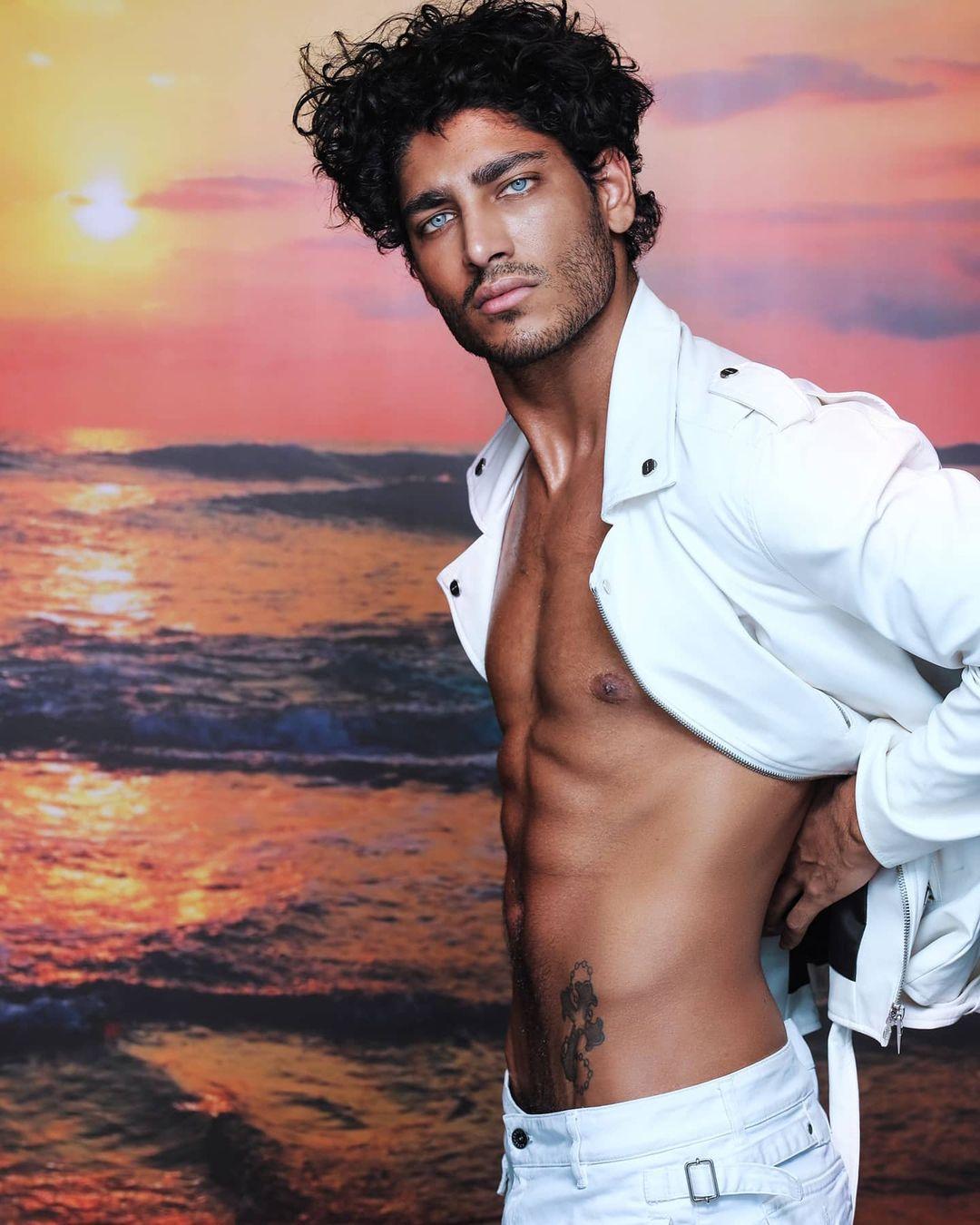 Akash Kumar, intervista esclusiva: l'Isola, la moda, l'amore