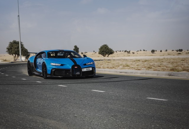Bugatti Chiron Pur Sport – premiers tours d'essai à Dubaï  Pur-sport-dubai-06