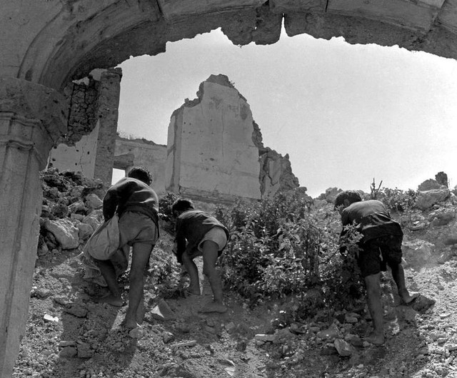 52-europa-after-ww2-photo