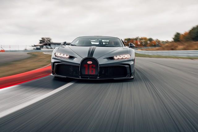 Premiers trajets en Bugatti Chiron Pur Sport 15-06-pur-sport-first-drives-jet-grey