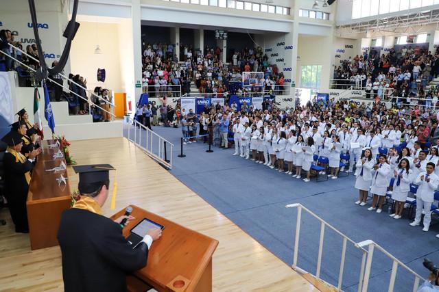 Graduacio-n-Medicina-168
