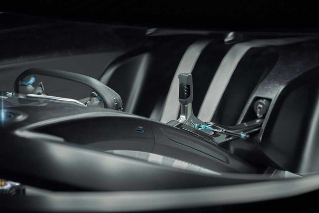 Jaguar Lève Le Voile Sur La Vision Gran Turismo SV : La Voiture De Course 100% Électrique Ultime Pour Les Passionnés De Course Automobile Jag-GTSV-Interior-driver-shift-161220