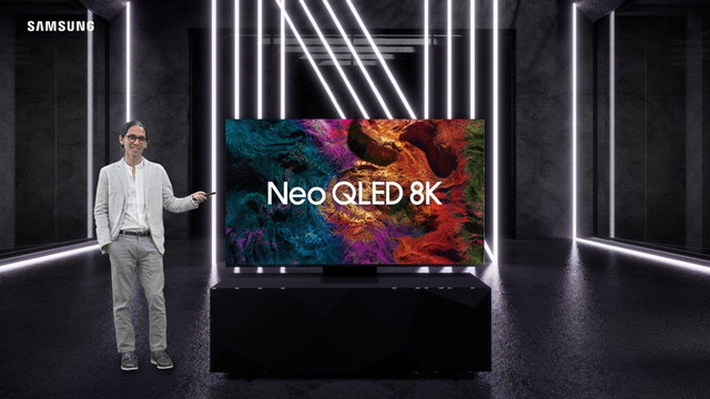 Angga-Dwimas-Sasongko-on-Unveiling-Neo-QLED-8-K-1