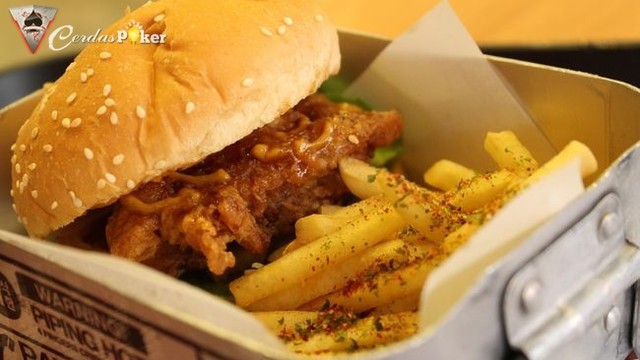 5 Alasan Ketagihan Makan Junk Food Atau Makanan Cepat Saji
