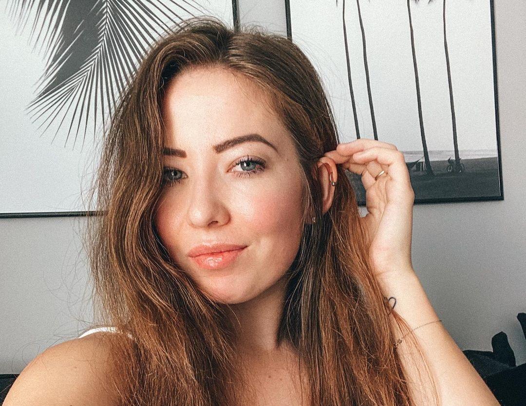 Alanna-Pearson-Wallpapers-Insta-Fit-Bio-10