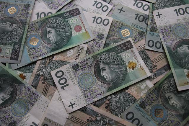 euro-banknotes-4073891-1280