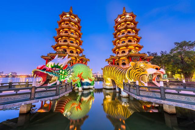 Dragon-Tiger-Pagodas