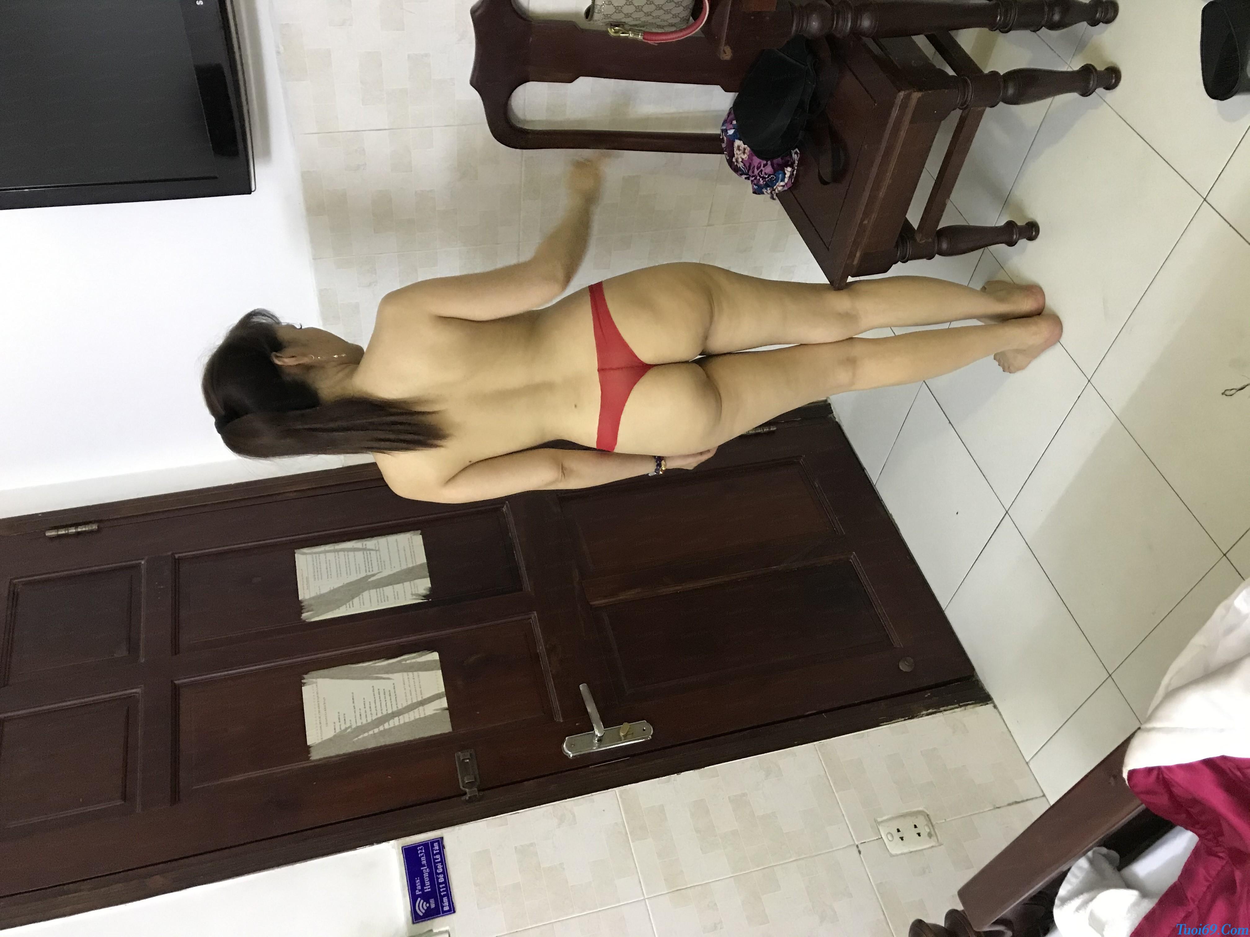 tuoi69net-review-em-gai-lan-huong-dam-nu-dang-yeu-chieu-khach-1