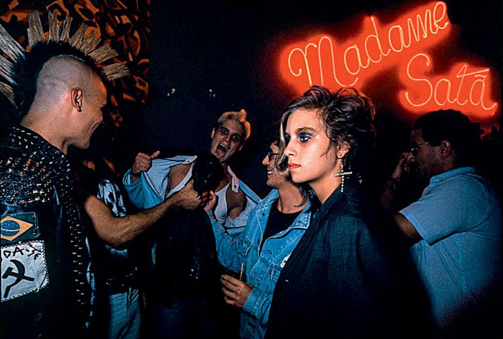 Interior-da-casa-noturna-Madame-Sat