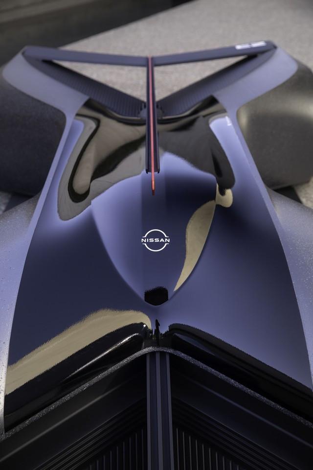 Nissan « GT-R(X) 2050 » : Le Projet D'un Stagiaire Devient Réalité Nis-GTR-2050-08-source