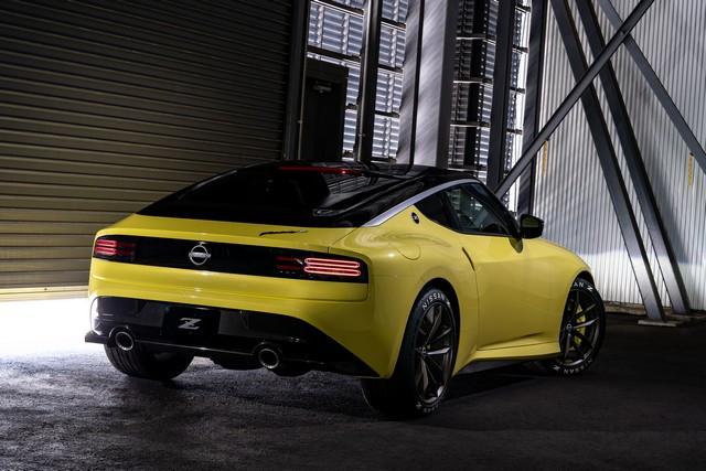 Le Nissan Z Proto : Inspiré Du Passé, Tourne Vers Le Futur 200916-01-048-source