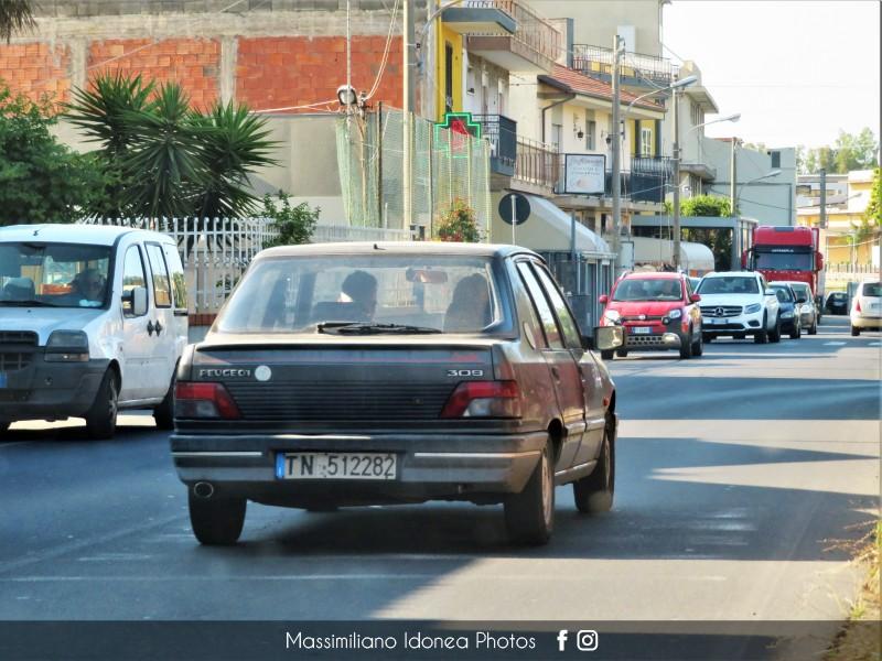 avvistamenti auto storiche - Pagina 25 Peugeot-309-Graffic-1-1-54cv-90-TN512282-202-145-6-10-2015