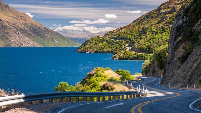 Self-Drive-Christchurch-Dunedin-Queenstown-Drive-to-Queenstown