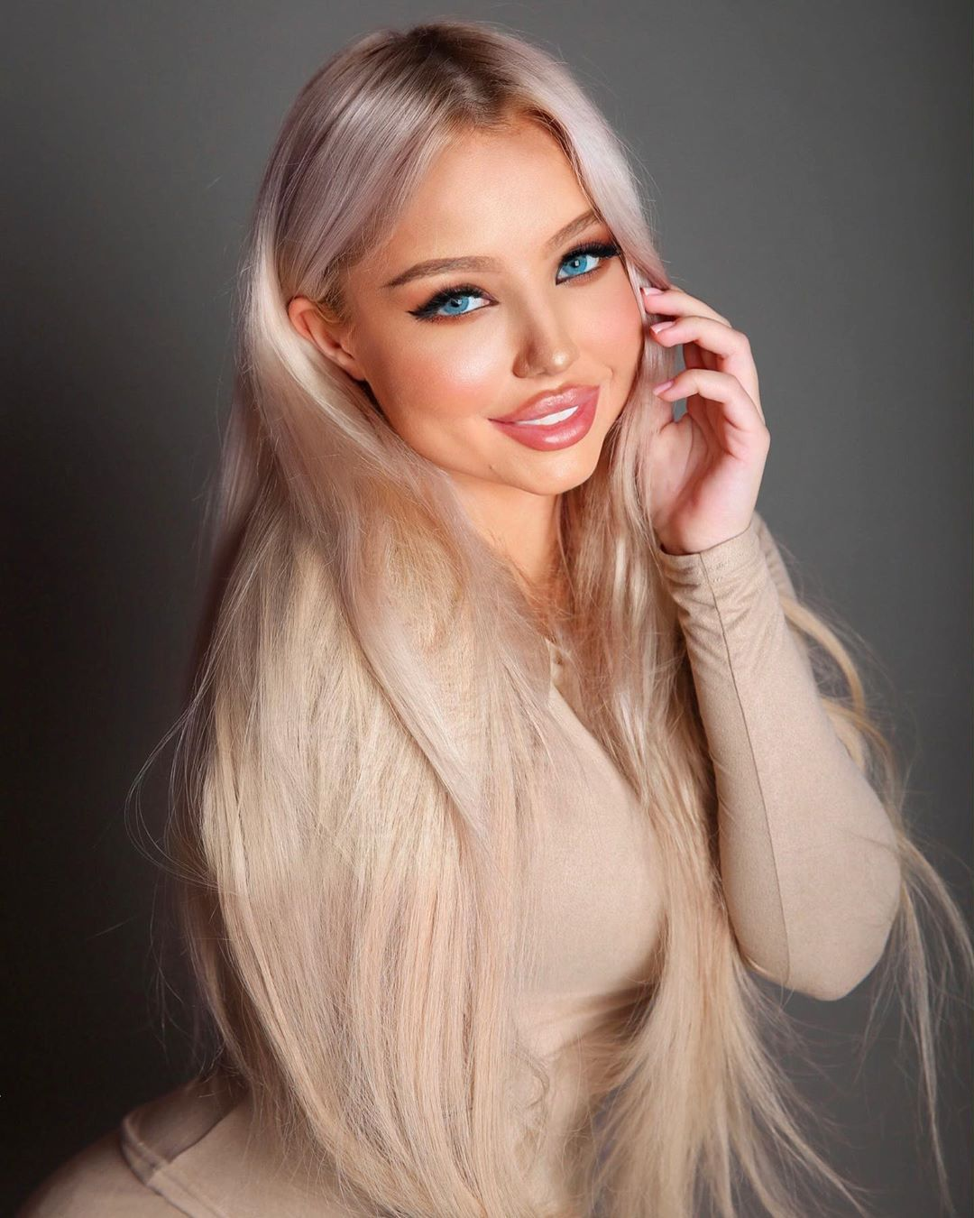 Kristina-Musatova-Wallpapers-Insta-Biography-6