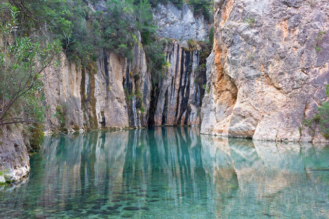 Spain-La-Tomatina-Festival-Adventure-X-Natural-Hot-Springs-Valencia