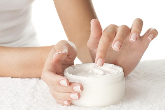 Applying-Cream-i-Stock-000045258606-Medium