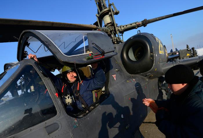 Зачем наносят узор на кабину ЯК-130