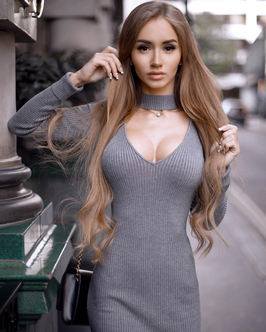 Valenti-Vitel-Wallpapers-Insta-Fit-Bio-13