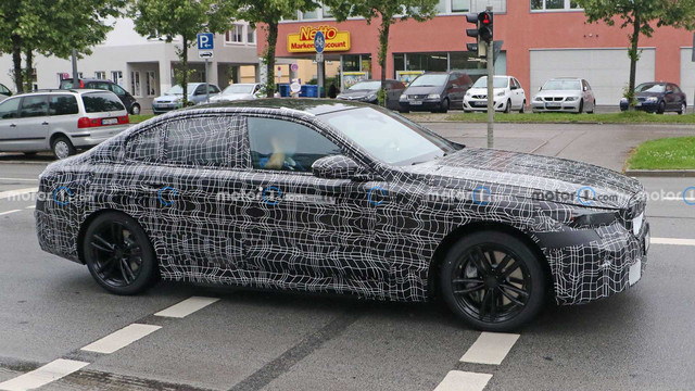 2023 - [BMW] Série 5 / M5 [G60 / G61] - Page 3 E3421567-7-C00-4-ADF-B5-BE-C21-EDC7966-C8