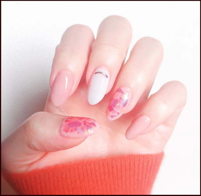 springnails-milkynails-pinknails-whitenails-aurorafilmnails-naility