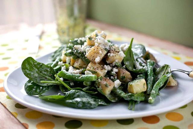 Салат из шпината с тунцом