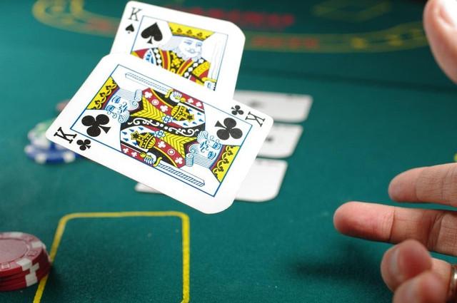play-poker-online