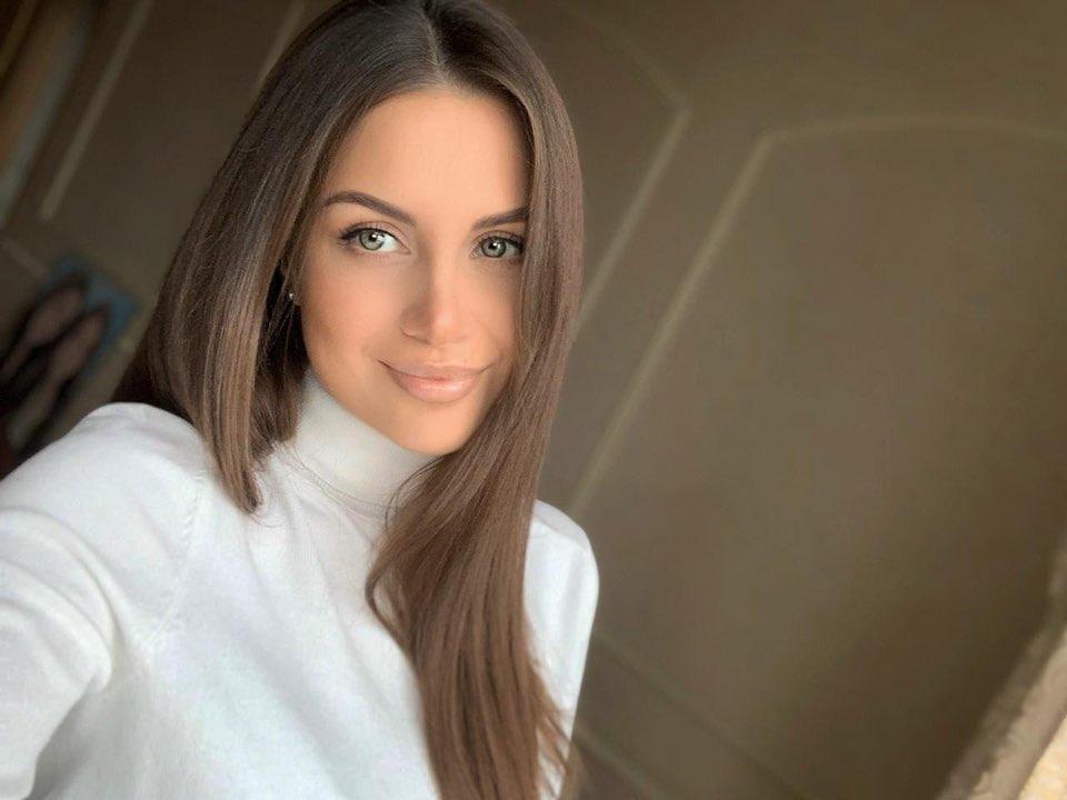 Alena-Gogoleva-Wallpapers-Insta-Biography-5